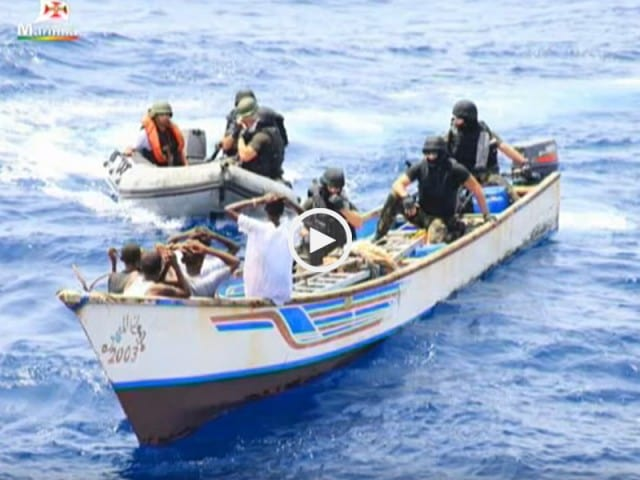 Fragata Corte Real captura 8 Piratas somalis