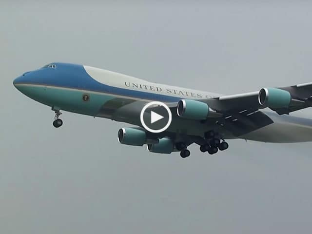 Air Force One aterra em Lisboa!
